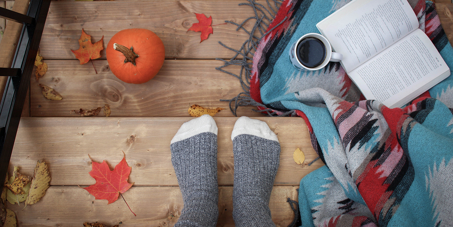 Get Cozy with These 8 Fall-Inspired Examples and Downloads